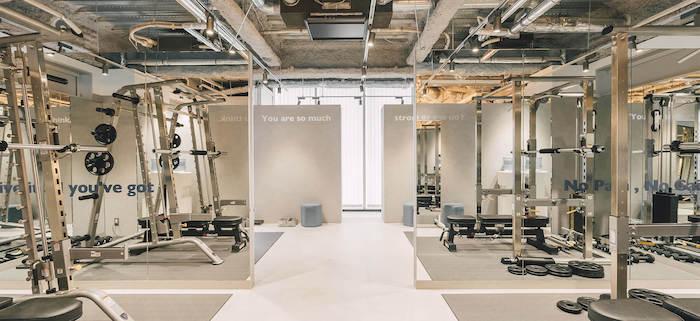 2020年4月にオープンしたUNDEUX(アンドゥ)銀座スタジオの店舗内写真